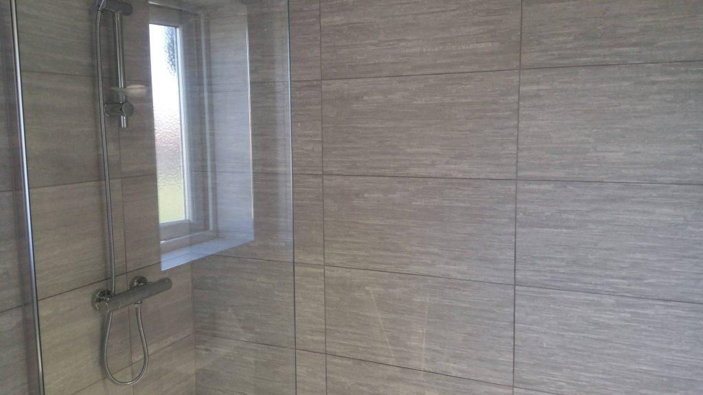 20160922 113713 1024x576 - Bathroom and En Suite in Holystone